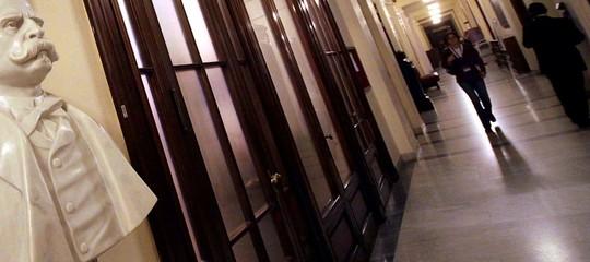 Una ragazza stanca di lavorare gratis ha fatto scoppiare una 'parentopoli' alla Camera