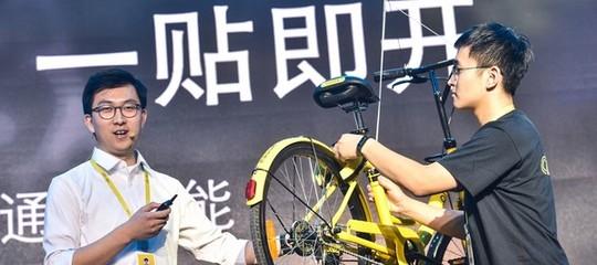 Chi sono i due giganti del bike sharing cinese che puntano il mercato europeo