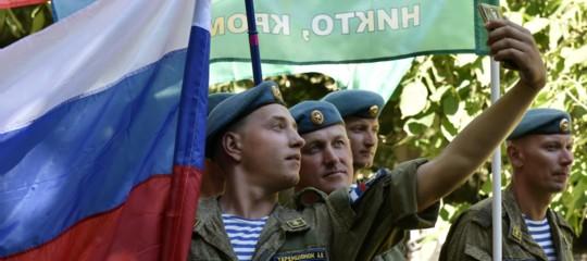Non taggare, il nemico ti osserva! Mosca ha paura dei selfie in battaglia