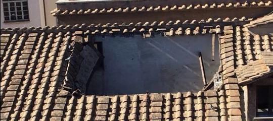 Scuola: Roma, crolla parte del tetto al liceo Virgilio