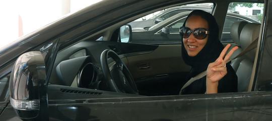 Uber vuole che le saudite imparino a guidare. E ha 3,5 miliardi di ragioni per farlo