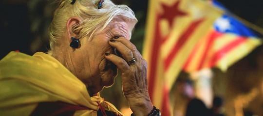 La Catalogna rinvia l'indipendenza. Ma spunta un 'piano segreto' per ottenerla