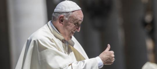 Approfittano del pranzo col Papa per evadere