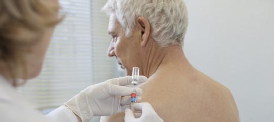 Quasi metà degli over 50 sottovaluta i rischi dell'influenza