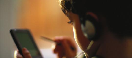 Cosa fanno i ragazzini con lo smartphone: una ricerca italiana ha sondato un 'mondo segreto'