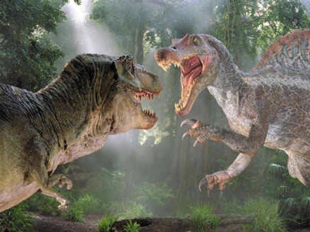 """Cinema: """"Jurassic World"""" sbanca, con 511 mln dollari miglior debutto di sempre"""