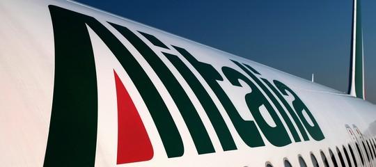 Accettabile un'offerta di Lufthansa per Alitalia che prevede il dimezzamento del personale?