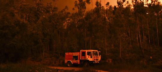 Portogallo: almeno 20 morti negli incendi, villaggi circondati