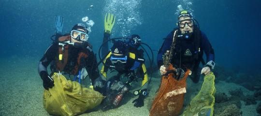 Siamo riusciti a inquinare anche la Fossa delle Marianne