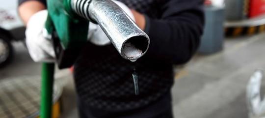 Petrolio: Up, consumi scendono del 6,2% a settembre