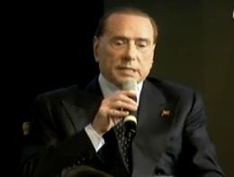 Berlusconi: Paolo Sorrentino si prepara ad aggredirmi