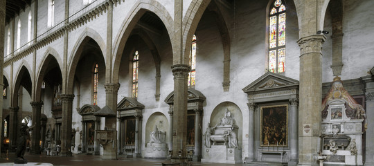 Turista ucciso da un pezzo di capitello caduto nella Basilica di Santa Croce a Firenze