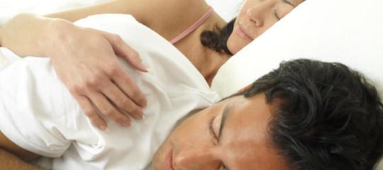 Quali sono gli effetti sulla salute procurati dal dormire e sognare troppo poco
