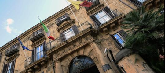 A 15 giorni dal voto in Sicilia la partita (a due) resta apertissima, un sondaggio
