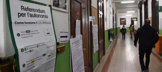 """In Veneto il trionfo di Zaia (vota il 60%): """"Trattiamo con Roma già da oggi"""". In Lombardia spoglio non concluso"""