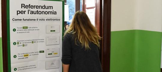 Referendum: dati parziali, Sì al 98,5% in Veneto e al 95% in Lombardia