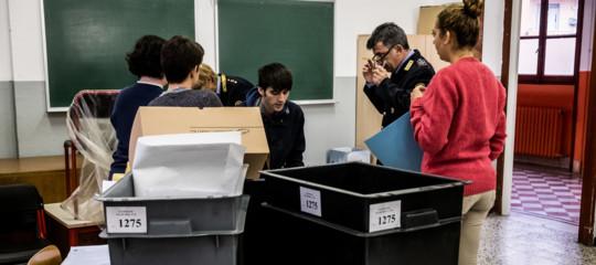 Referendum: criticità del sistema di voto, solo oggi i dati in Lombardia
