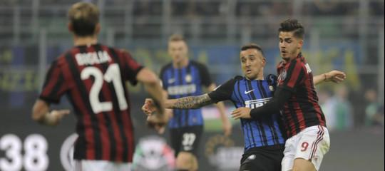 Chi ha prestato 8 milioni di dollari al proprietario del Milan? E per fare cosa?