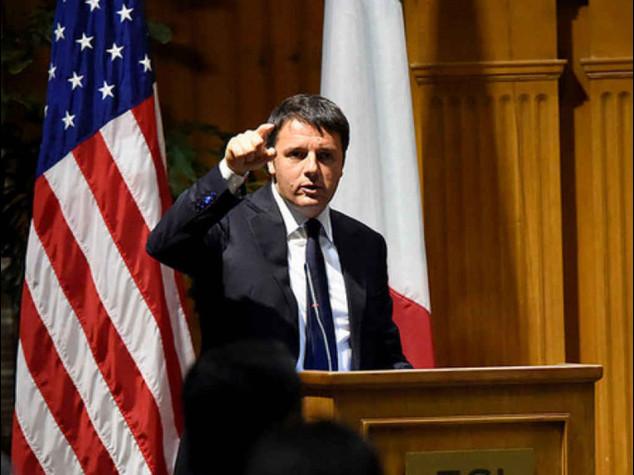 """Lavoro: Renzi, """"riforma non rinviabile"""". Grillo a minoranza Pd, """"mandiamolo a casa"""""""