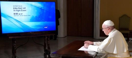 La rivoluzione copernicana di Papa Francesco: fare domande, non solo dare risposte