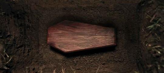 Perché ancora tanta gente si risveglia durante il funerale