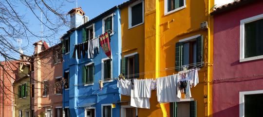 Niente ingegnere o architetto, 4 volte su 10 gli italiani si costruiscono la casa da soli