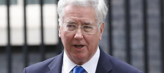 Gb: si dimette ministro difesa accusato di molestie sessuali