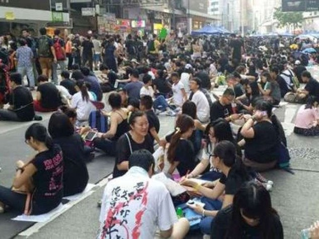 Hong Kong: ultimatum degli studenti, via il governo o occuperemo edifici pubblici