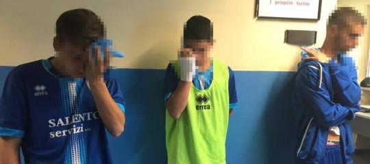 La partita tra ragazzini finisce a sprangate, tre feriti nel Salento