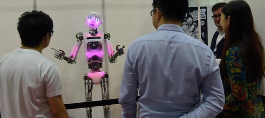 Lasciate stare i robot e tassate Google. Lo dice un premio Nobel
