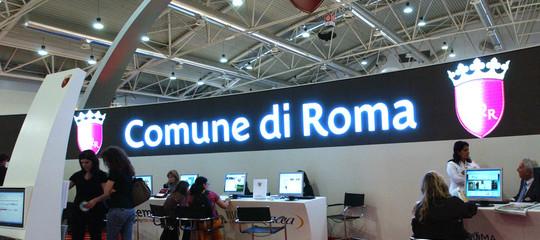 Perché a Milano il 54% dei certificati del comune è digitale e a Napoli nemmeno uno