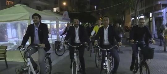 La pedalata per le vie dei Palermo che chiude la campagna dei Cinque Stelle