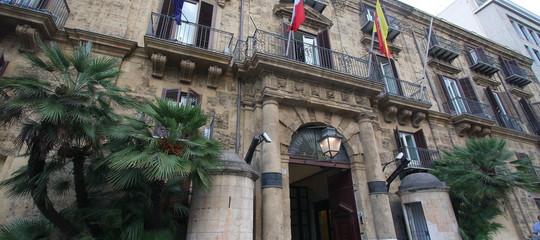 Breve guida al voto in Sicilia, dove l'avversario da sconfiggere è anche l'astensionismo