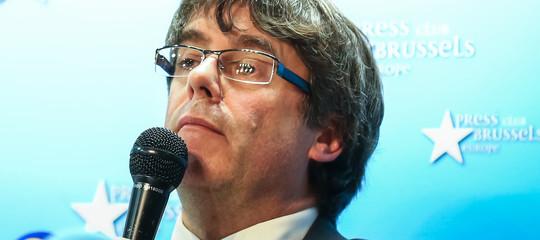 Cosa deve fare il Belgio dopo il mandato di arresto internazionale per Puigdemont