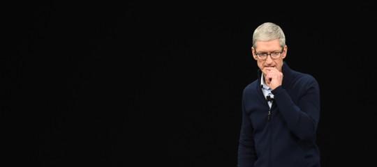 Apple, la differenza fra salvare il mondo e comprarselo