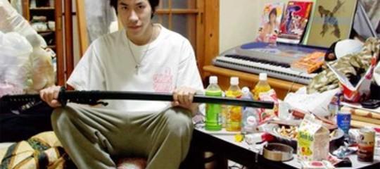 Hikikomori, la sindrome dei ragazzi che si chiudono in camera e rifiutano ogni aiuto