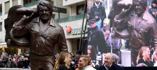 In Ungheria hanno dedicato una statua di due metri aBudSpencer
