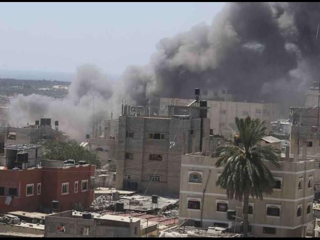 Israel ignores appeals and keeps Gaza under pressure