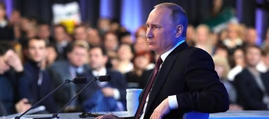 Cosa prevede la legge russa cheobbligherài media a registrarsi come 'agenti stranieri'