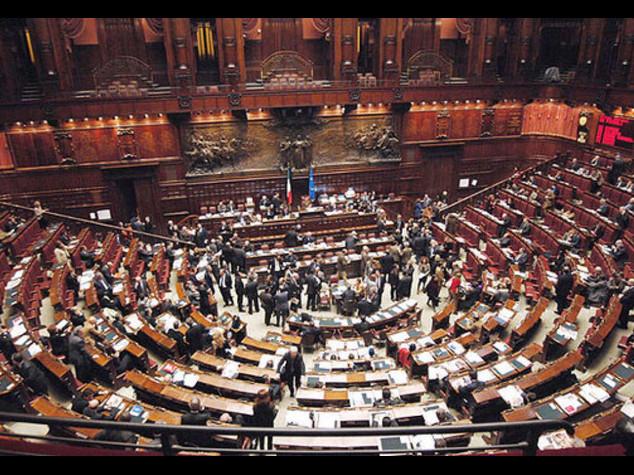 Jobs Act, scontro nel governo Ncd, no a modifiche su art.18