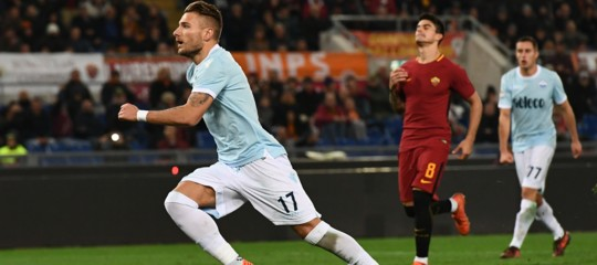 La Roma batte la Lazio 2-1 e la scavalca in classifica