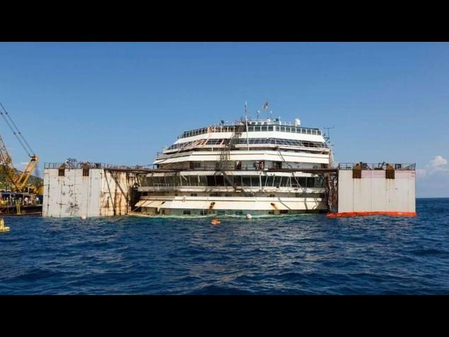 Costa Concordia removal operations continue