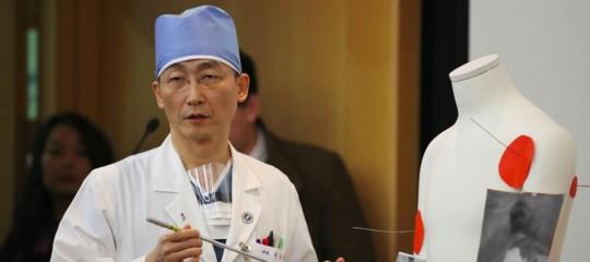 Storia del dottor Lee, l'eroe che ha salvato la vita al soldato nordcoreano