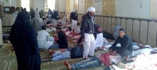 Strage in una moschea sufi in Egitto, almeno 235 morti