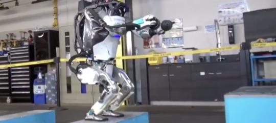 Tra poco questo robot sarà così veloce che non riuscirete più a vederlo.Muskinquieta su Twitter