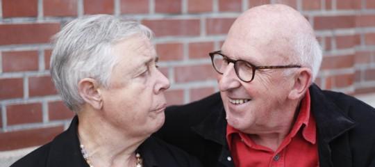 Chi sono i 'caregiver' e perché la manovrastanzia per loro 60 milioni di euro