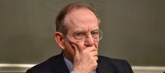 Padoanpotrebbe guidare l'Eurogruppose non fosse più ministro?