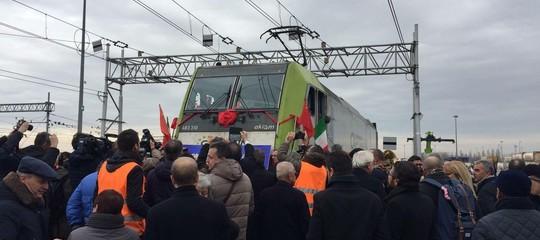 Che cosa trasporta treno che in 18 giorniva da Pavia alla Cina
