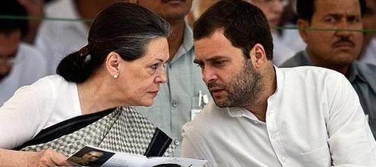 L'ultima battaglia di Sonia Gandhi: far nominare il figlio suo successore