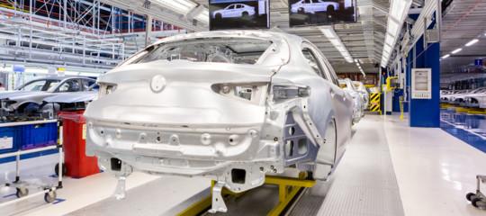 Auto: a novembre immatricolazioni salgono del 6,79%